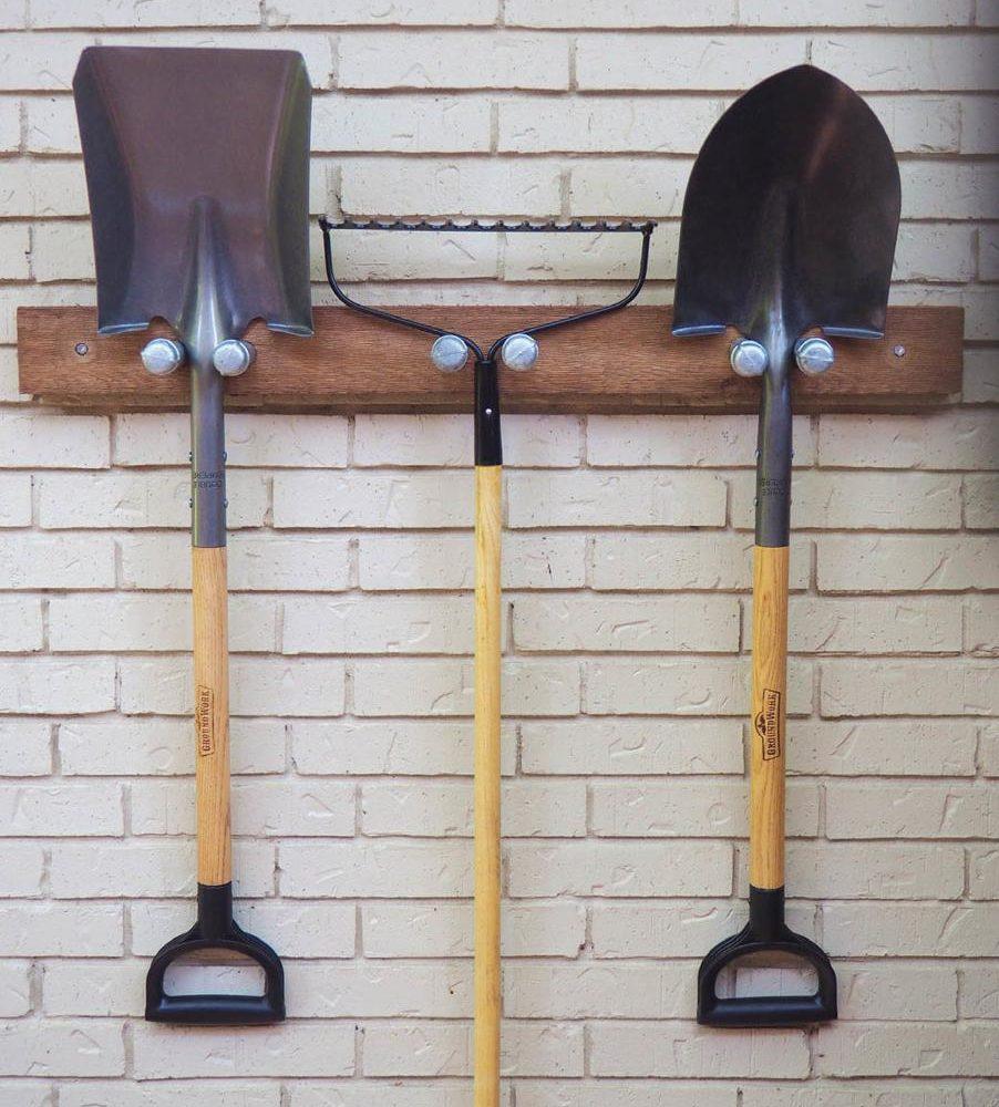 Penyangkut peralatan kebun