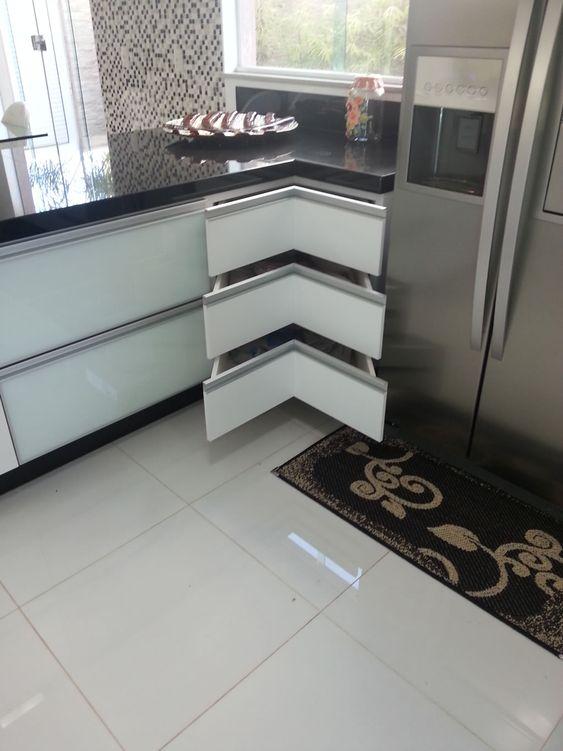 kabinet dapur aluminium