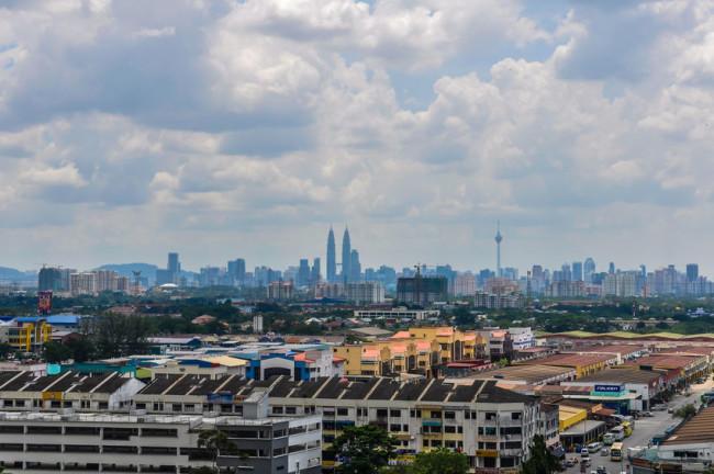 Economists See No Deflation For Malaysia